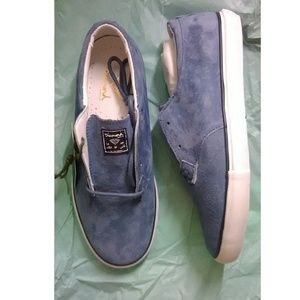 0ff4adff707 Diamond Supply Co. x The Beatles Avenue. M_5b91644f035cf14b322a9eb5. Other  Shoes you may like. Diamond blue suede shoes - new in box